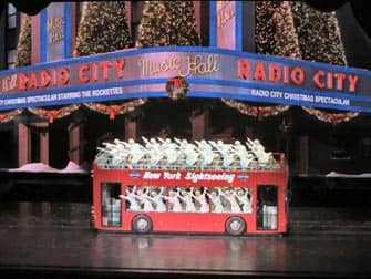 라디오시티 크리스마스 스펙타큘러 - 버스