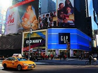 뉴욕 타임스퀘어 - 올드 네이비 & 갭