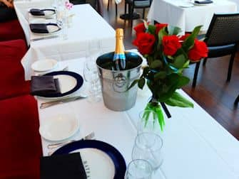 바또 뉴욕 디너크루즈 - 로맨틱 식사