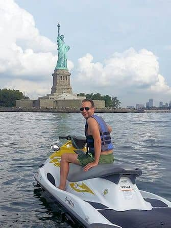 뉴욕에서 수영하기