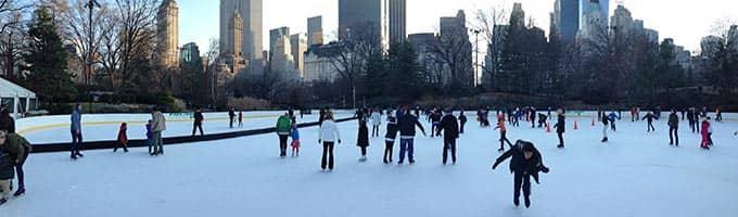 뉴욕에서 아이스 스케이트 타기