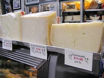 차이나타운 및 리틀 이탈리아 투어 - 이탈리안 치즈