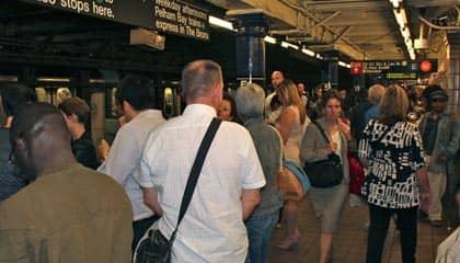 뉴욕의 지하철 - 러시아워