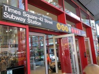 뉴욕의 지하철 - 타임스퀘어 42번가