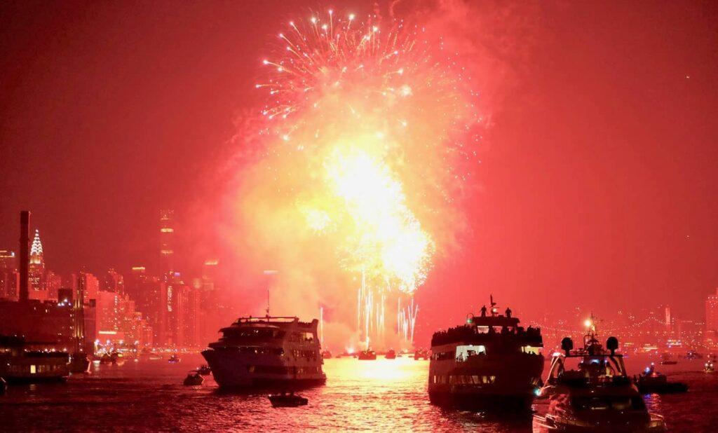 뉴욕 독립기념일 크루즈 - 불꽃놀이