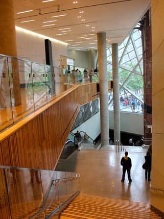 뉴욕 911 박물관 - 계단