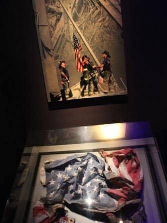 뉴욕 911 박물관 - 성조기