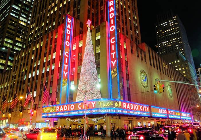 뉴욕의 크리스마스 시즌 - 라디오시티 뮤직홀