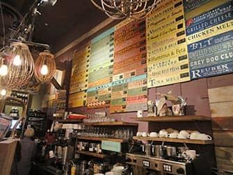 뉴욕 최고의 커피숍 및 베이글바 - 그레이 독