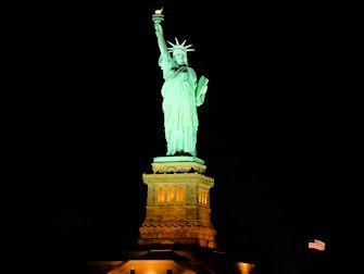 뉴욕 뷔페 디너 크루즈 - 자유의 여신상