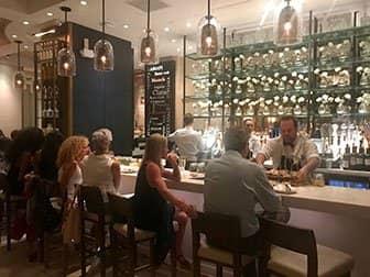 뉴욕의 레스토랑 - Avra