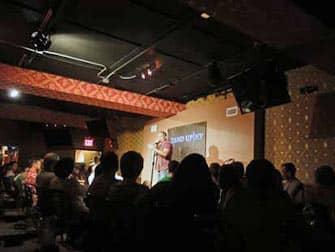 뉴욕의 코미디클럽 스탠드업 - 코미디언